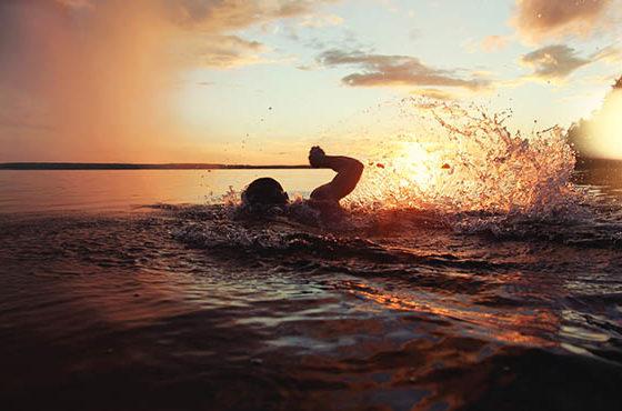 Как часто осматриваться при плавании в открытой воде