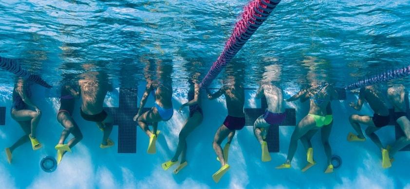 ласты для плавания в бассейне