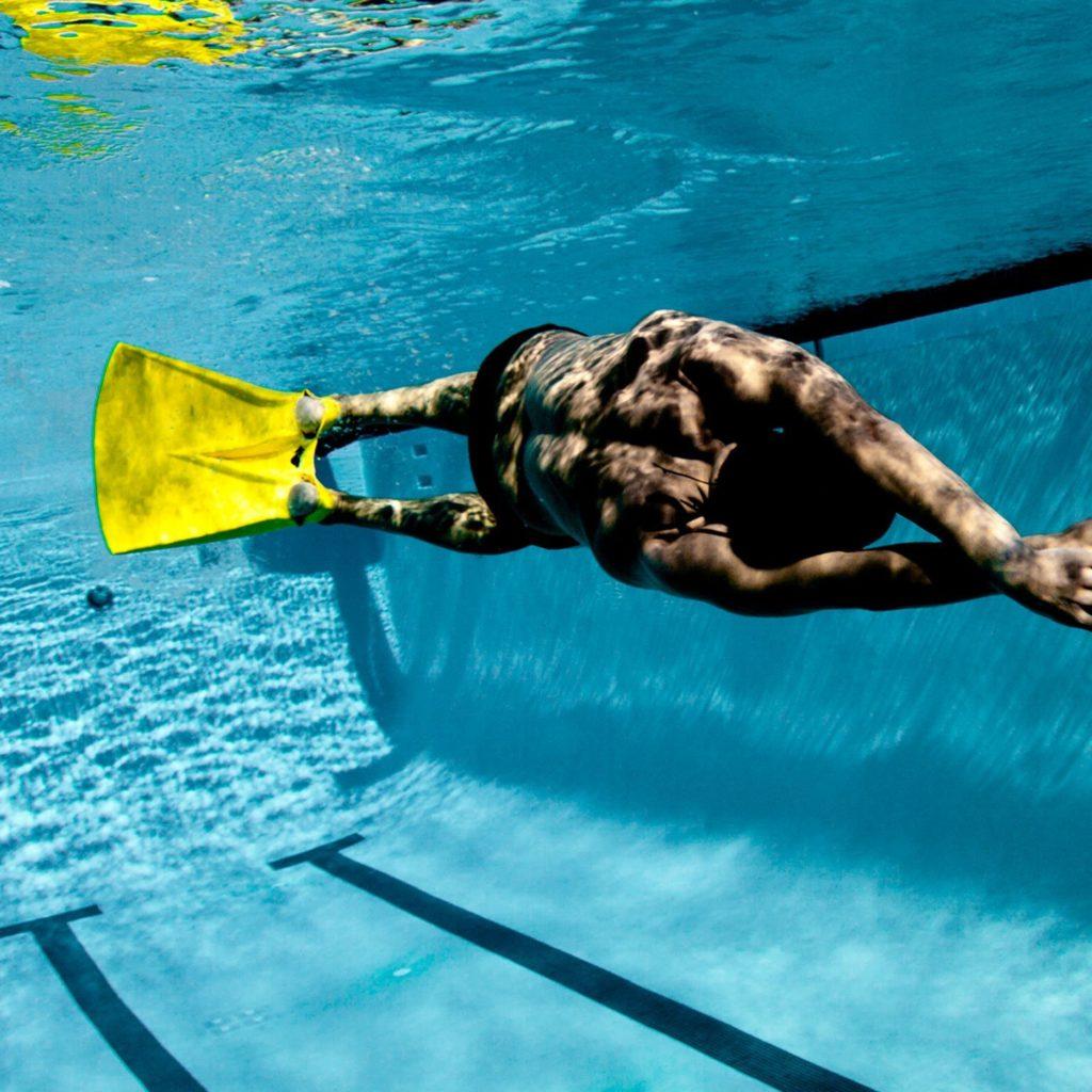 моноласта для тренировок в бассейне