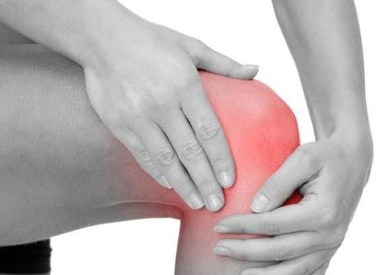 Почему возникает боль в колене