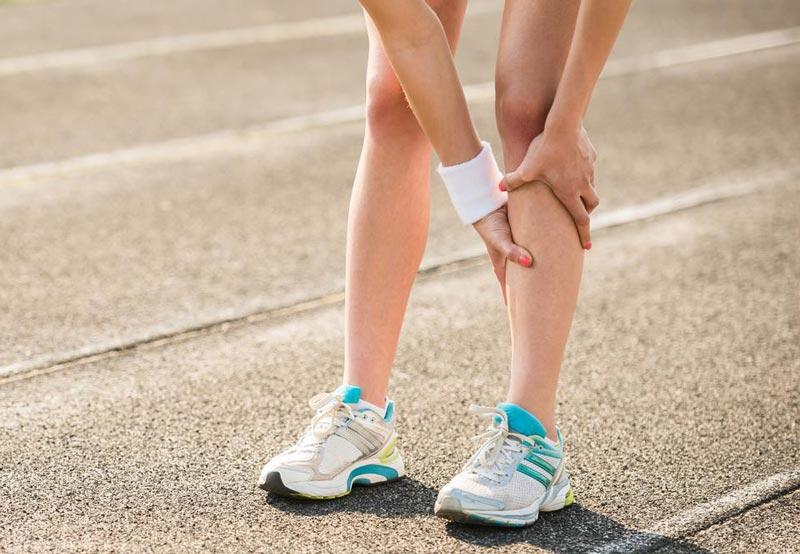 Почему после и во время бега болят ноги ниже колен