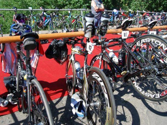 велосипед в транзитной зоне