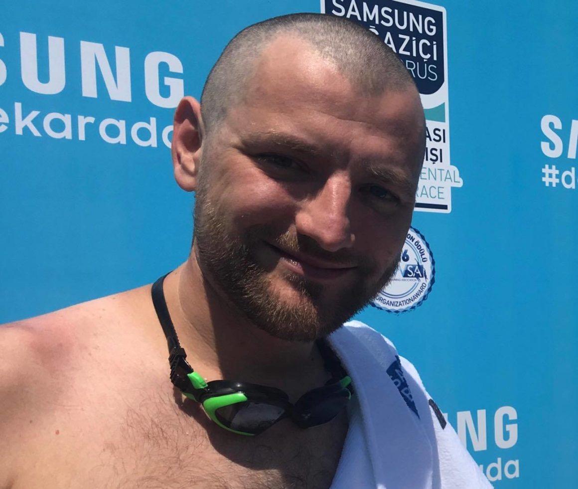 Игорь Филипп финишер заплыва через Босфор
