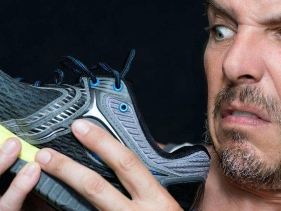 кроссовки воняют от пота